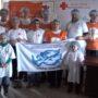 Дети Клуба юных волонтеров Милосердия фасуют народные обеды для нуждающихся