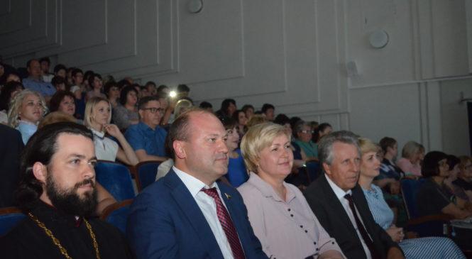День социального работника отметили в Ростовской области.