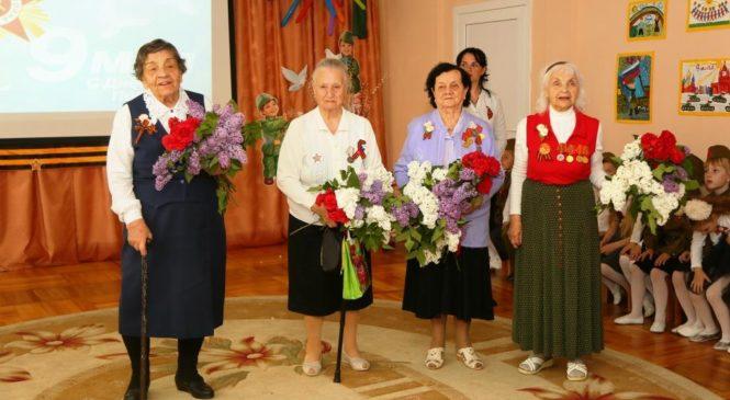 Праздничный концерт «Весна Победы» для ветеранов ВОВ центра поддержки и помощи людям старшего поколения и инвалидам «Мои года — мое богатство»