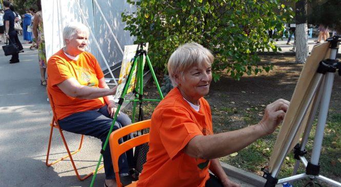 «Серебряные» добровольцы центра «Мои года-моё богатство» на Дне добрых дел