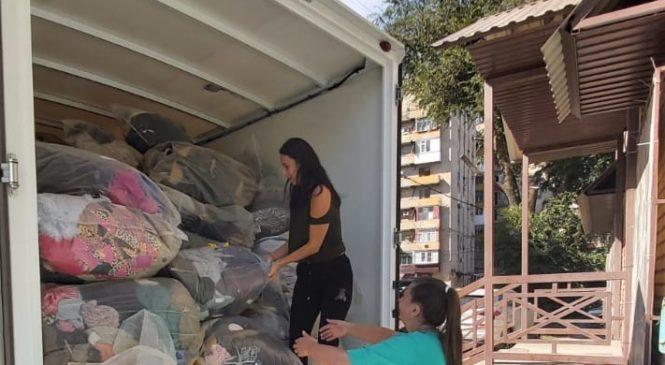 Более полутора тонн вещей передано нуждающимся из Центра гуманитарной помощи