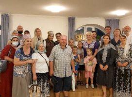 В родительском клубе для приемных семей состоялась встреча с «самой многодетной мамой России»