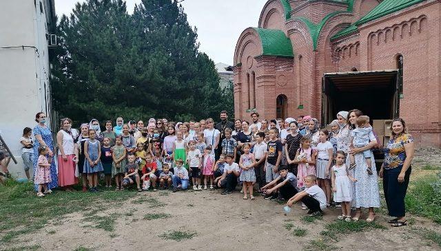 Ростовская епархия продолжает оказывать помощь жителям сельских поселений